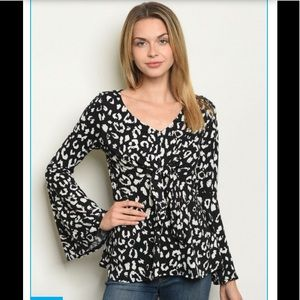 Animal print ruffle sleeve top (COMING )